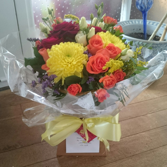 Mixed colours, handtied, Seasonal bouquet in a box