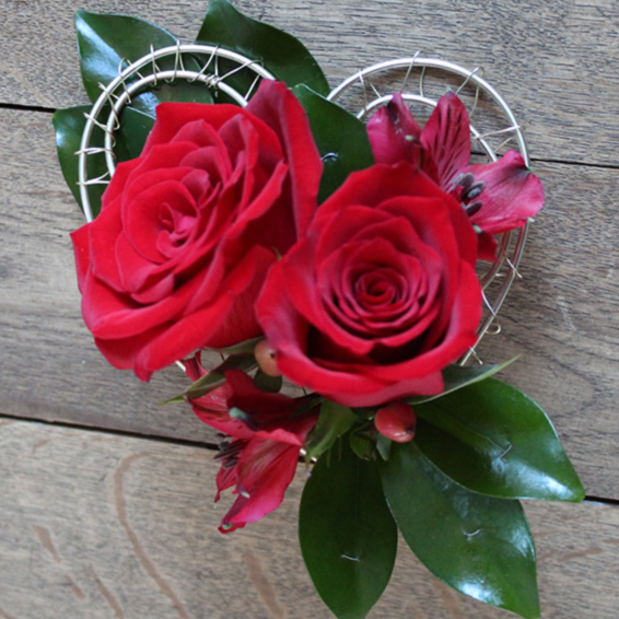 Double Red rose, heart shaped buttonhole